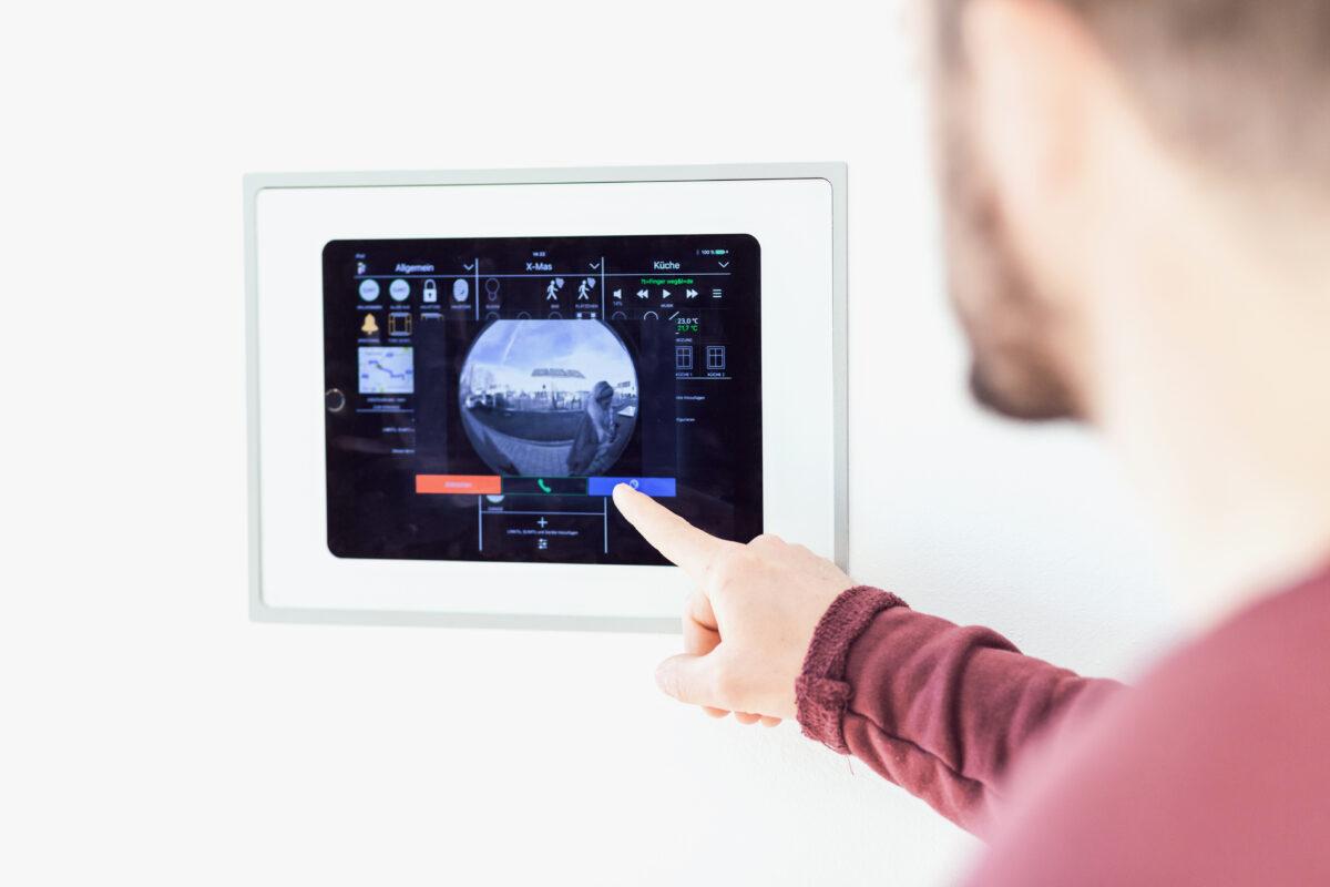 Kernstück der digitalen Infrastruktur bildet die iHaus Smart Living Plattform