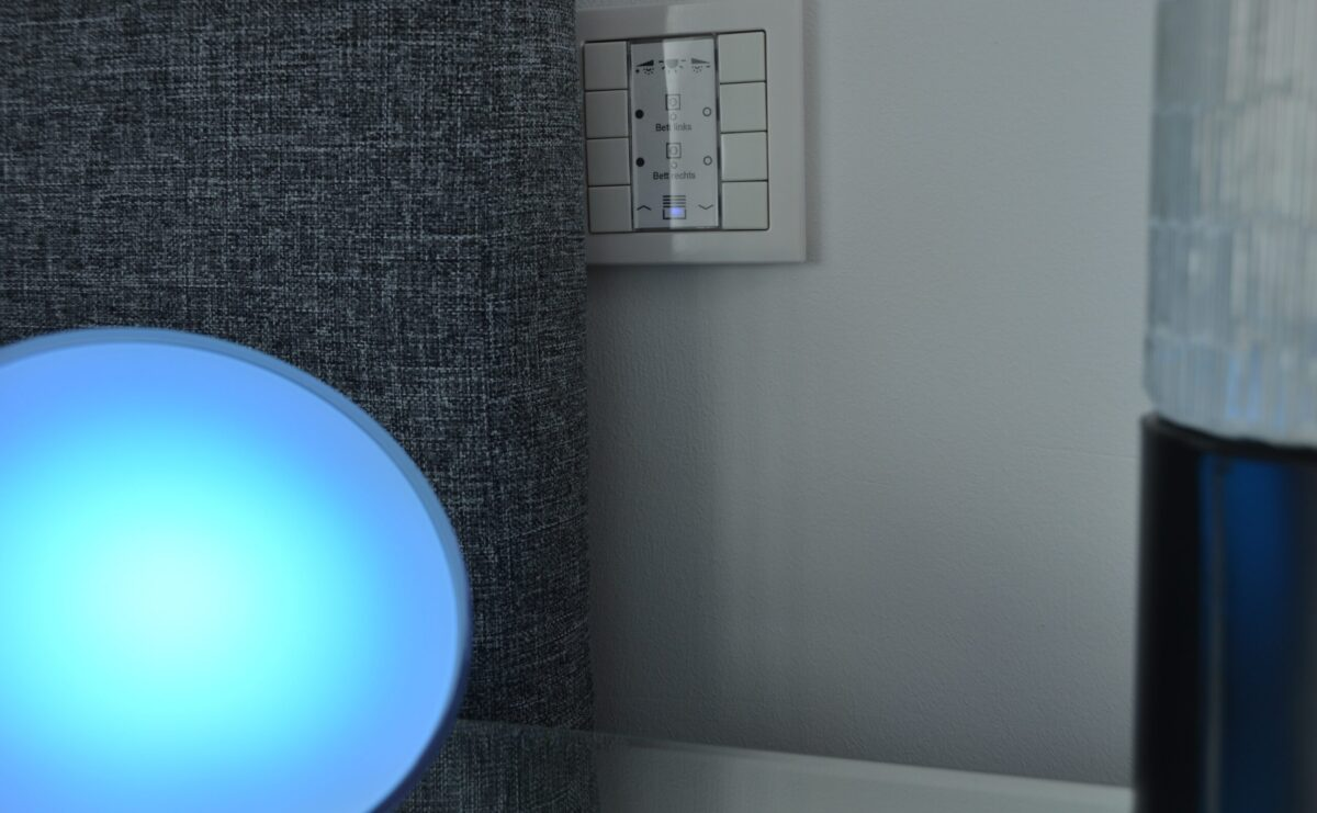 Philips Hue mit KNX Taster schalten und steuern